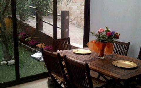 Cenador con techo translucido